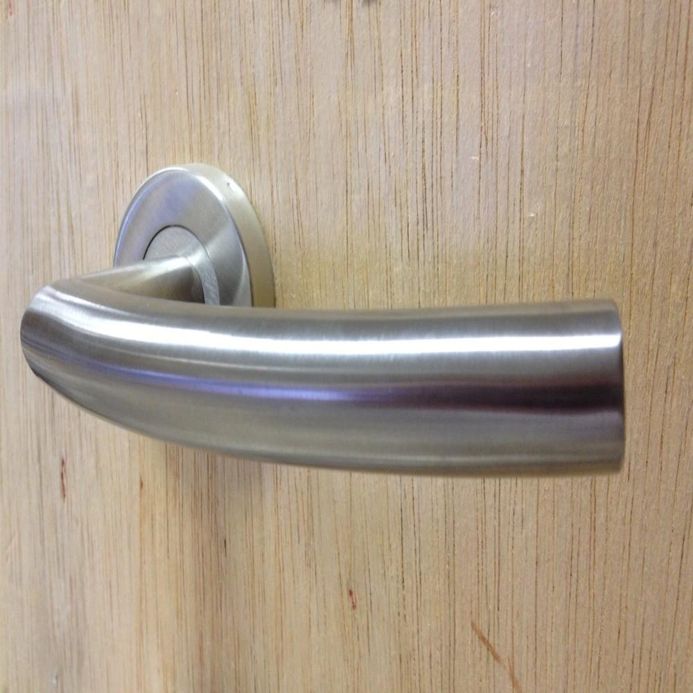 boxed-set-of-bandf-stainless-steel-lever-handles-19mm-dia-ref-dl2553pssf11b.jpg
