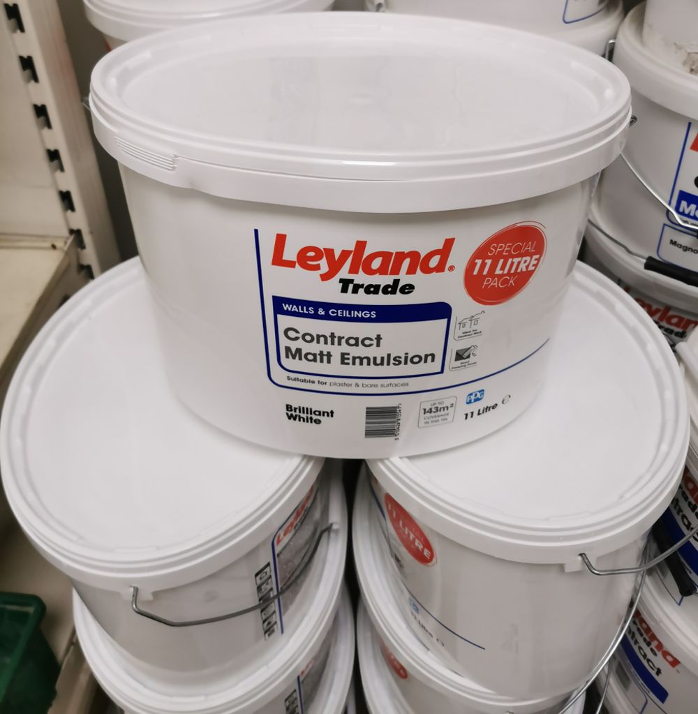 Leyland Oval Bucket Of Contract Matt Brilliant White 11Ltrs Ref 853282